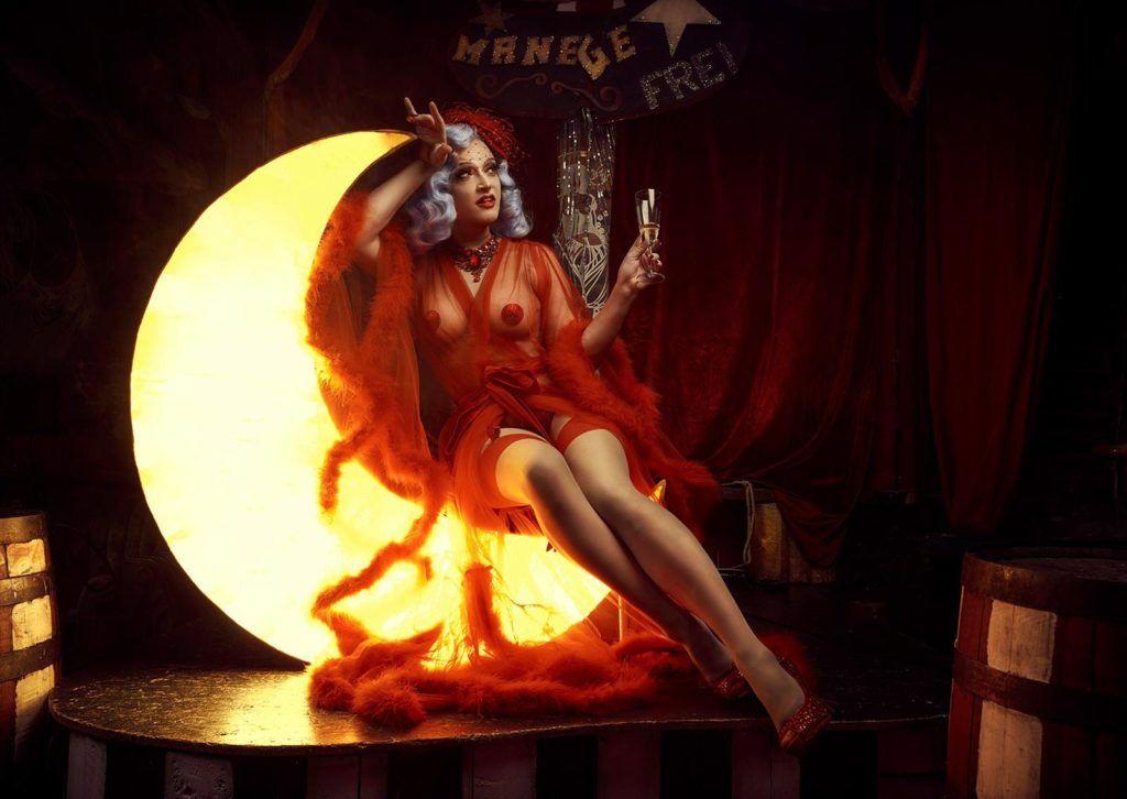Drag Queen Sheila Wolf im Interview bei Ausgang Podcast über The Diva in Me