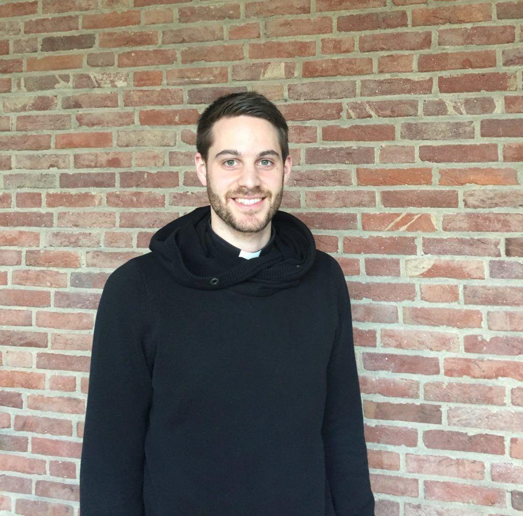 BENEDIKT KELLERMANN IST PRIESTER UND SPRICHT MIT UNS IM INTERVIEW BEI AUSGANG PODCAST